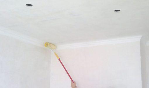 Грунтовка потолка под покраску